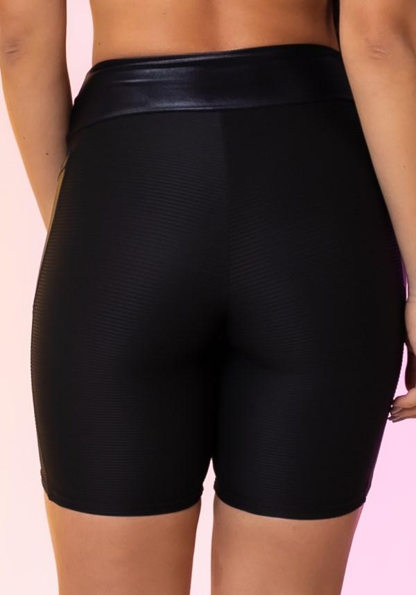 Bermuda modelo ciclista happiness com bolso preto