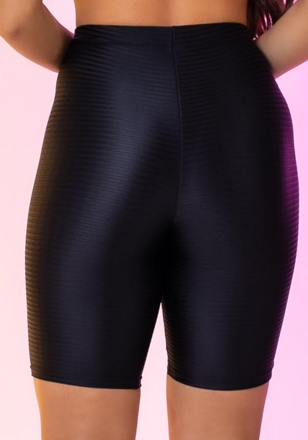 Bermuda modelo ciclista happiness texturizada preta