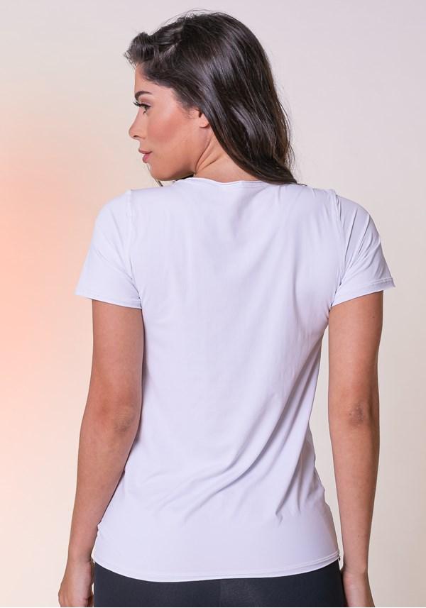 Blusa branca com proteção uv básica