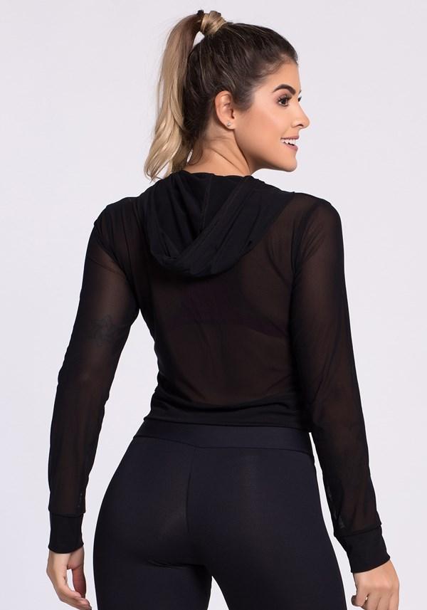 Blusa de tela preta com capuz