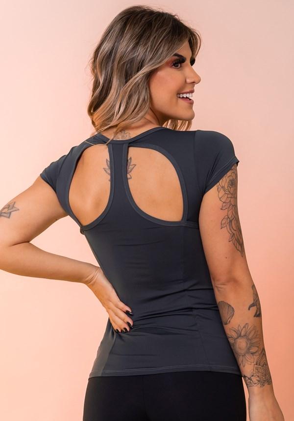 Blusa grafite com recorte traseiro básica