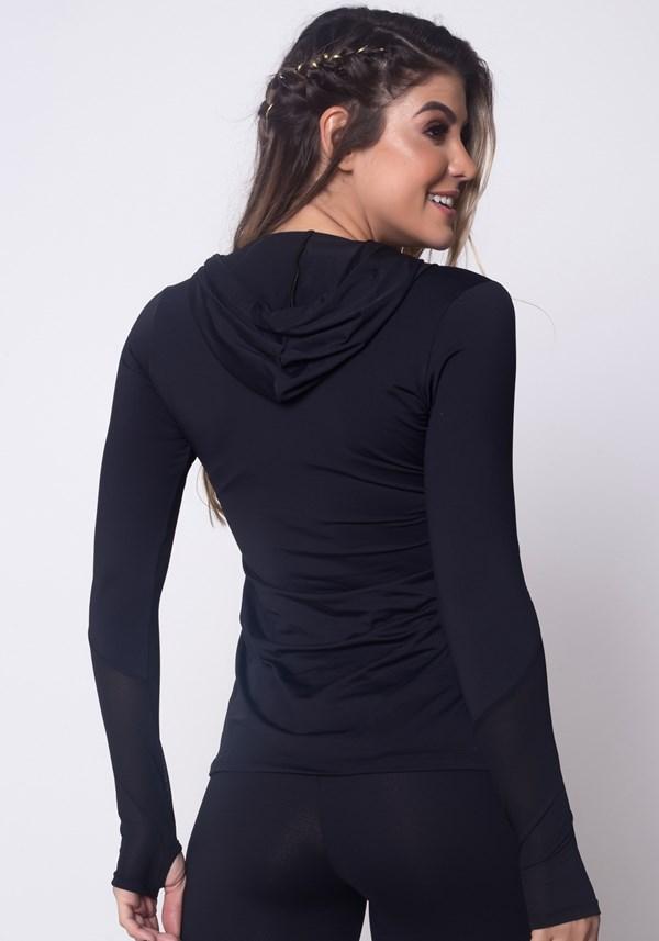 Blusa manga longa preta com capuz