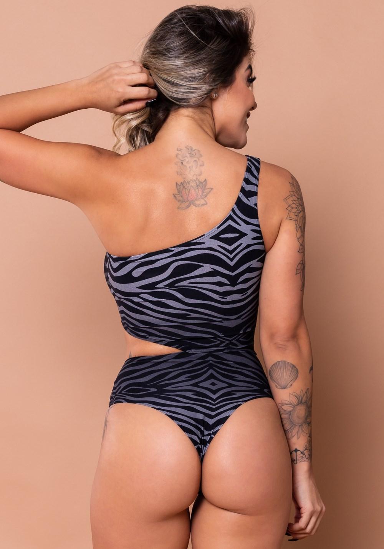 Body vazado lateral estampado zebra cinza