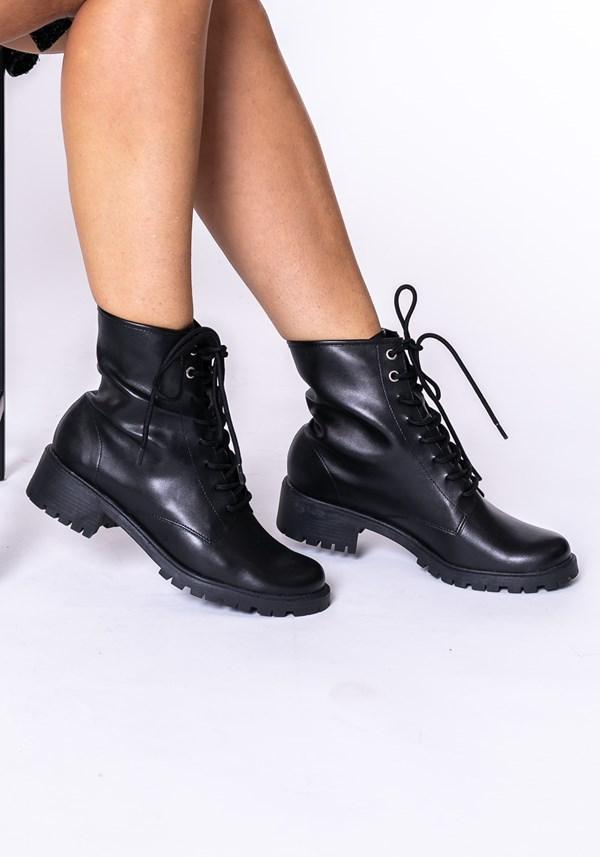 Bota cano curto shoes preta