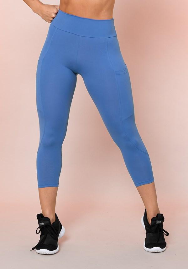 Calça corsário azul com bolso básica