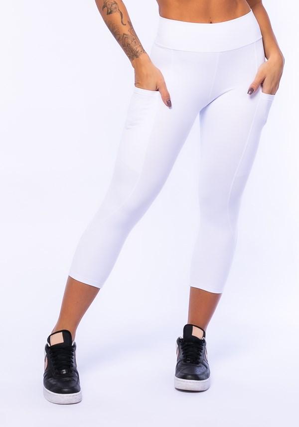Calça corsário branca com bolso básica