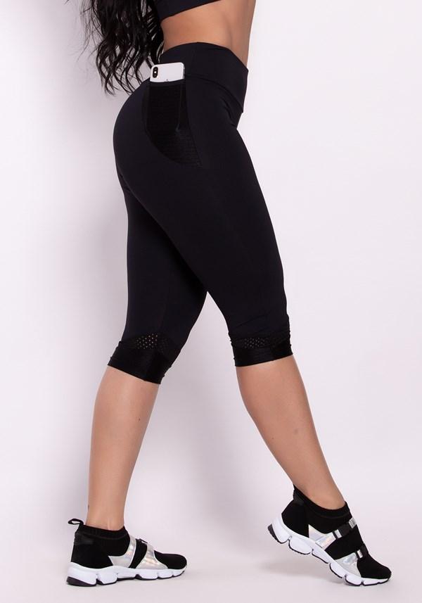 Calça corsário poliamida preta com bolso style