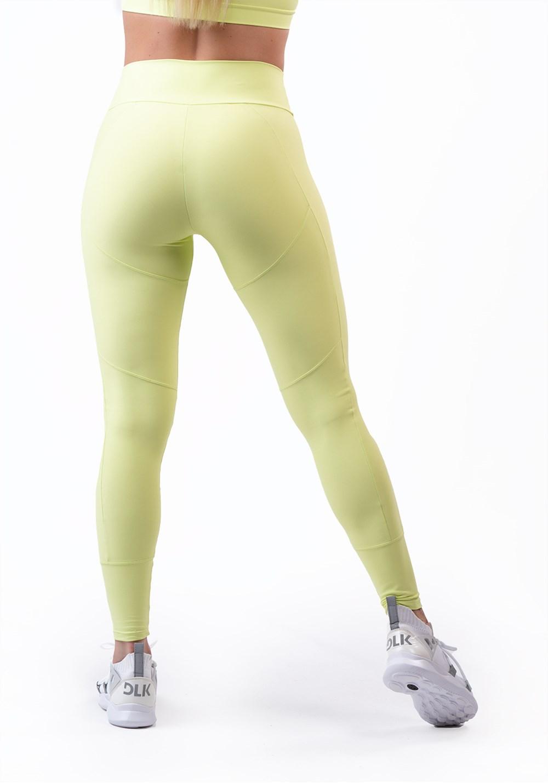 Calça legging amarela com recortes levanta bumbum básica