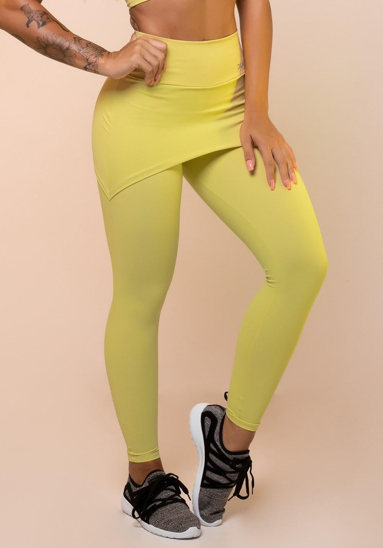 Calça legging amarela com tapa bumbum básica