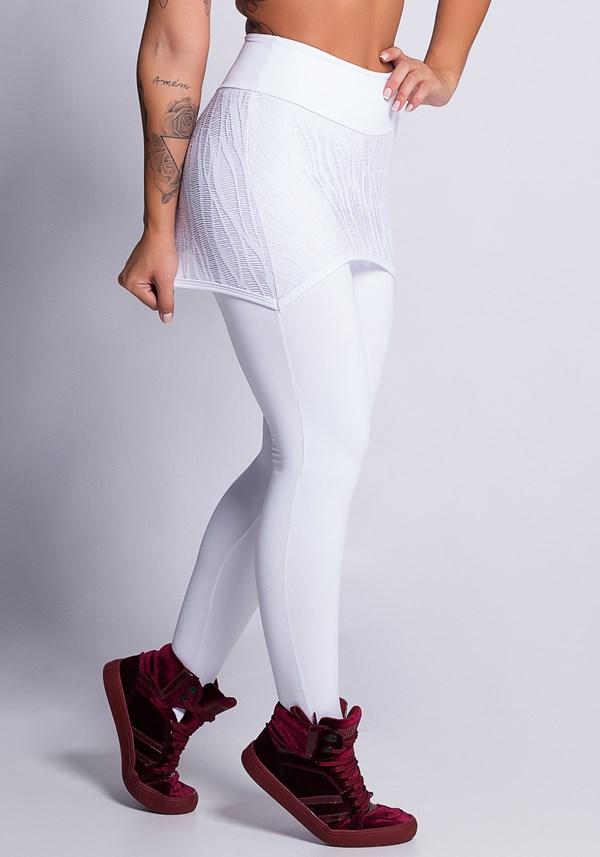 Calça legging branca com tapa bumbum em renda