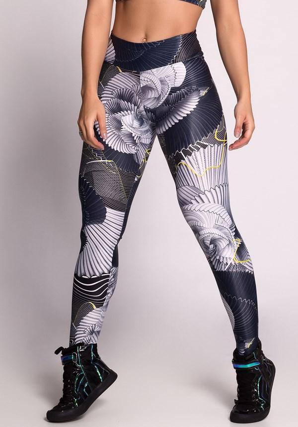 Calça legging cirrê estampada grey lines