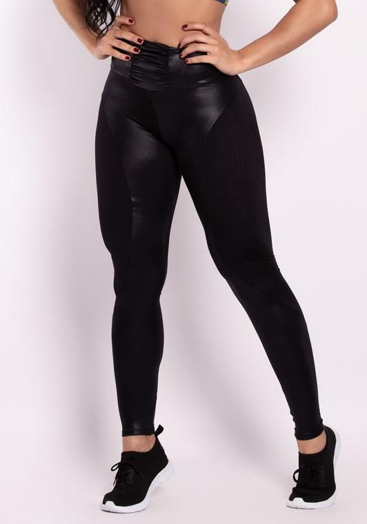 Calça legging cirrê preta com recortes e cós franzido - DlkModas 54f52936d5b