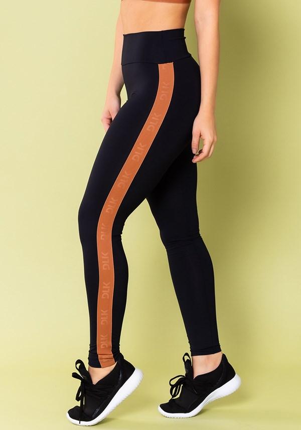 Calça legging energy poliamida preta com elástico amêndoa