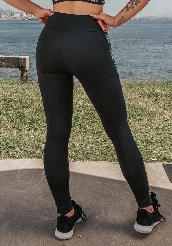 Calça legging energy poliamida preta com elástico detalhe azul