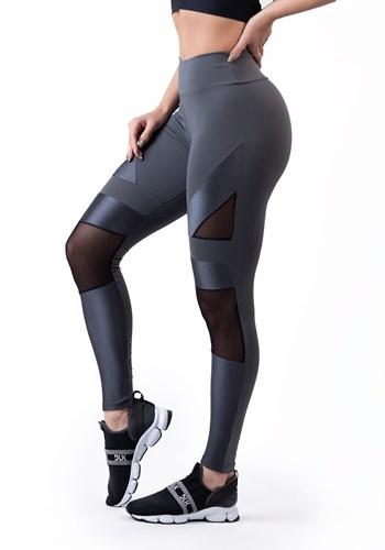 Calça legging grafite com detalhes em tule e tela shine