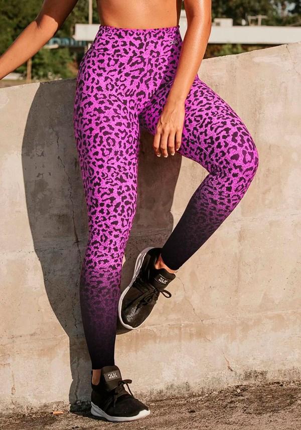 Calça legging jacquard onça preta com rosa reverse