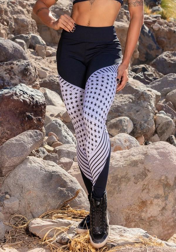Calça legging poliamida black and white stars
