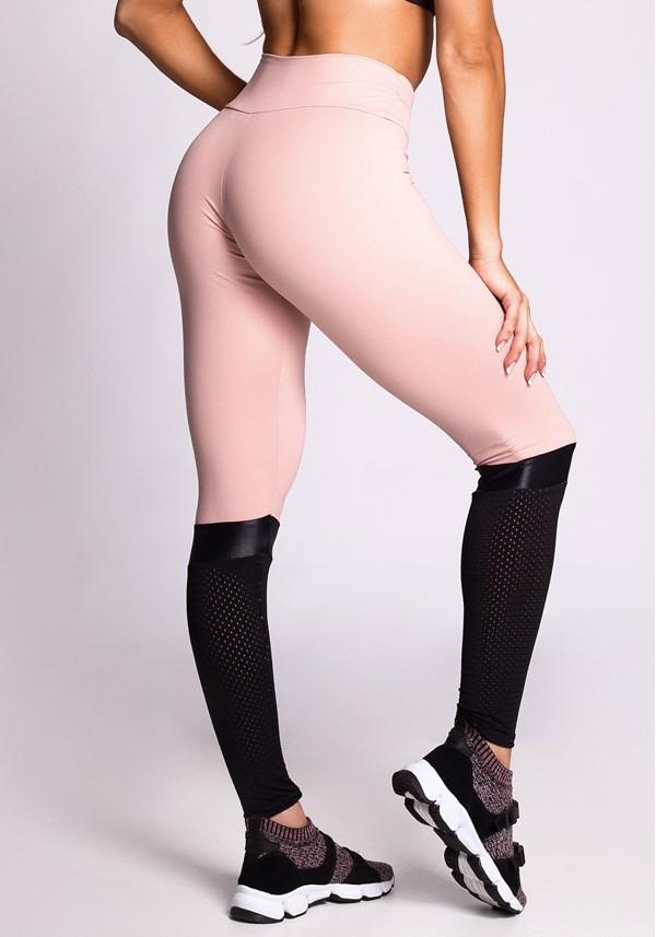 Calça legging poliamida nude com detalhes em dryfit e brilho