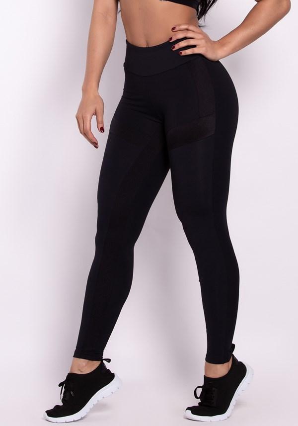 Calça legging poliamida preta com recortes metal