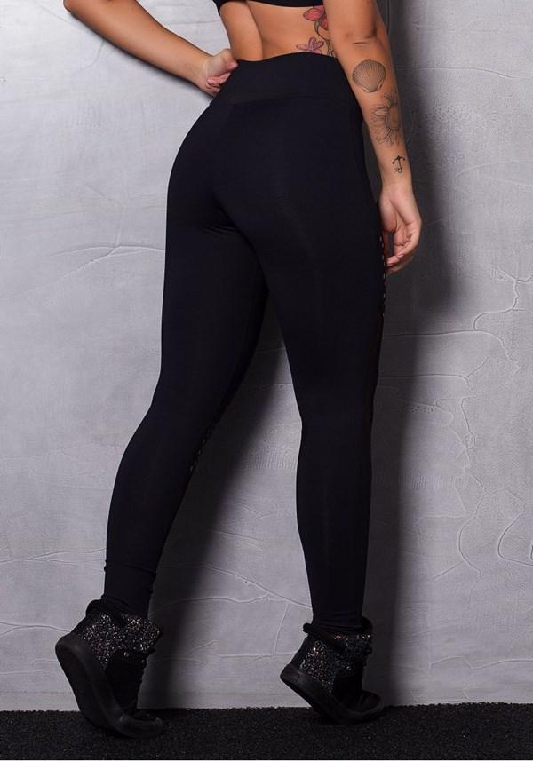 Calça legging poliamida preta com tule e cortes a laser