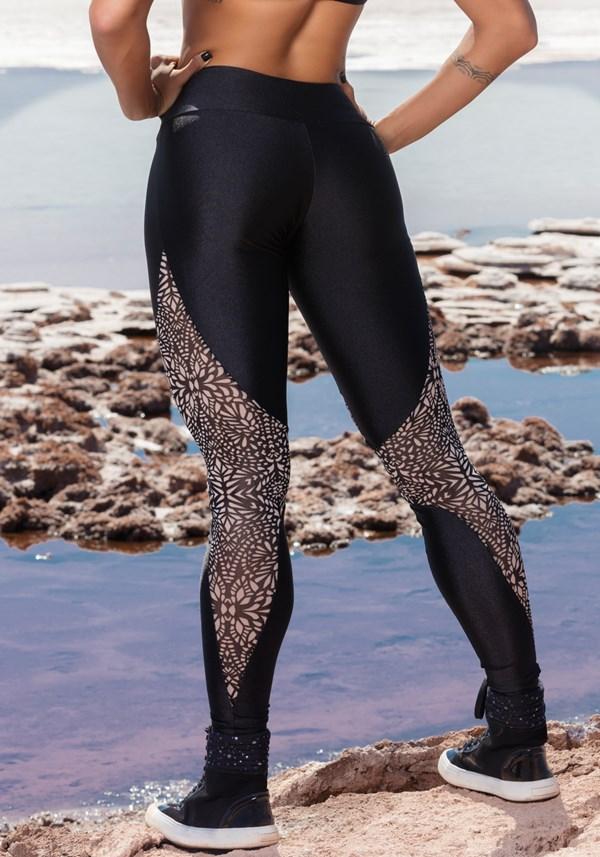 Calça legging poliamida shine preta com tule estampado