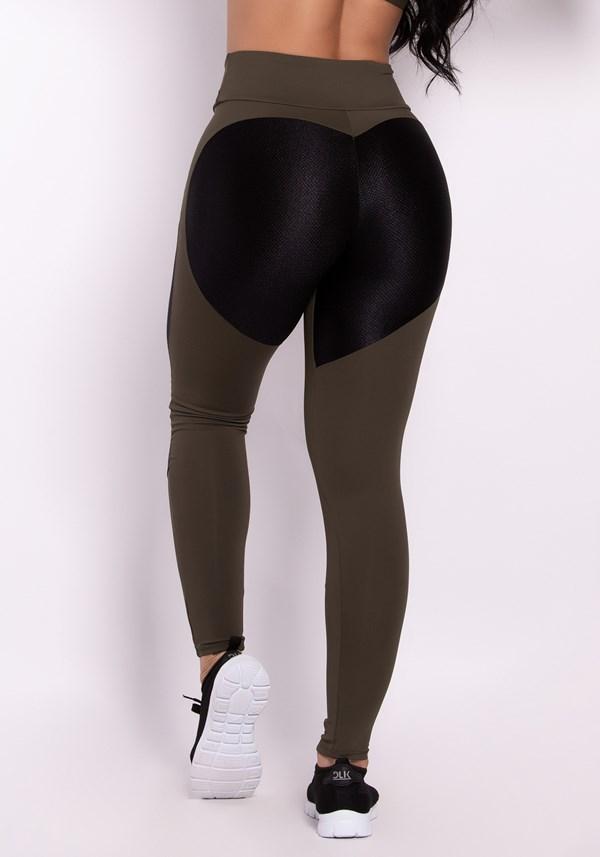 Calça legging poliamida verde com recortes texturizado