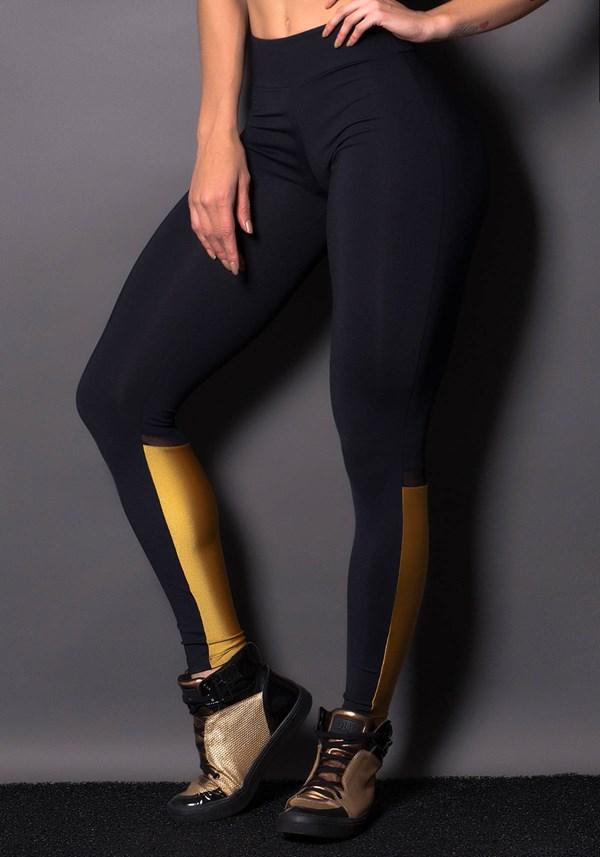 Calça legging preta com brilho dourado