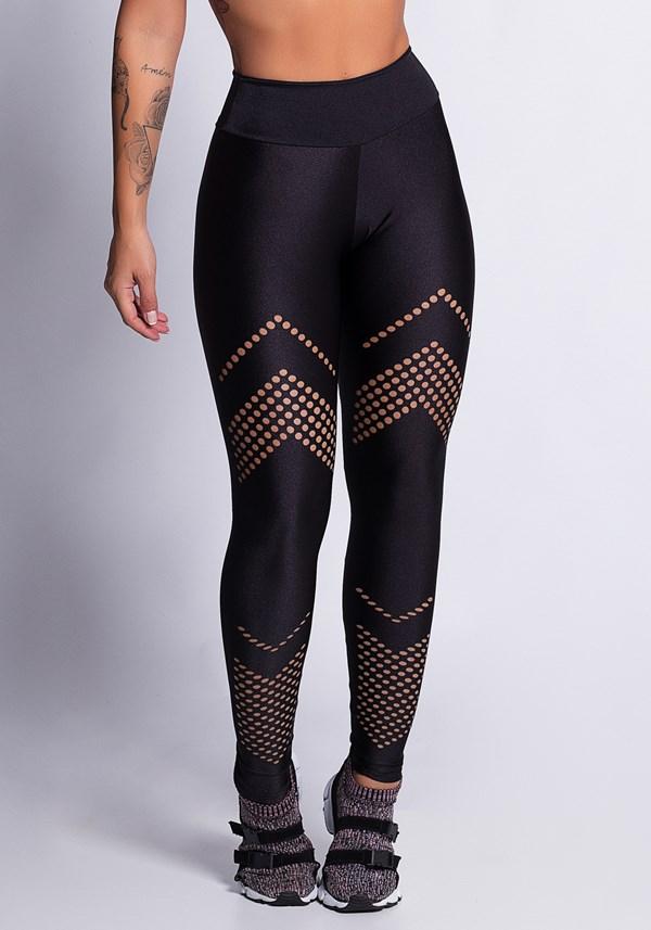 Calça legging preta com cortes a laser