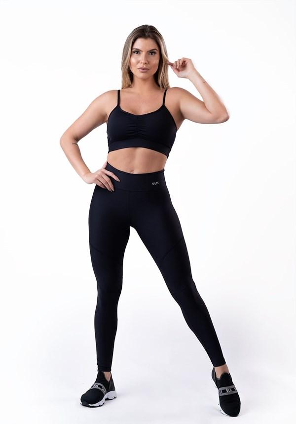 Calça legging preta com recortes básico