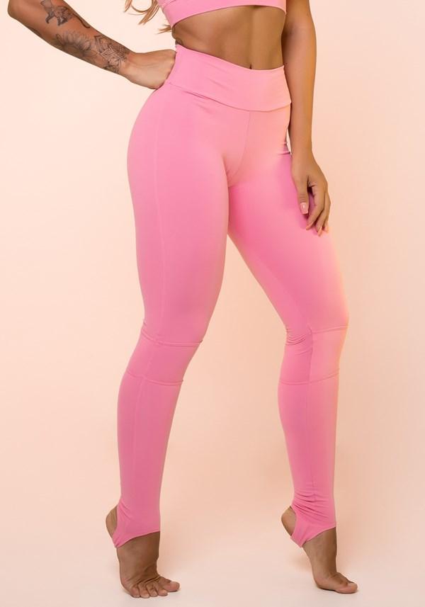 Calça legging rosa chiclete com recortes e pezinho básica