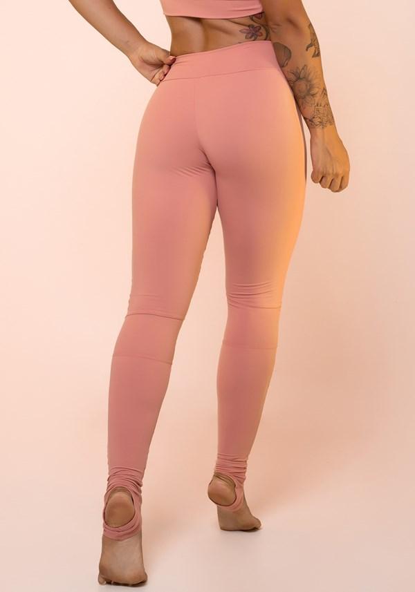 Calça legging rosê com recortes e pezinho básica
