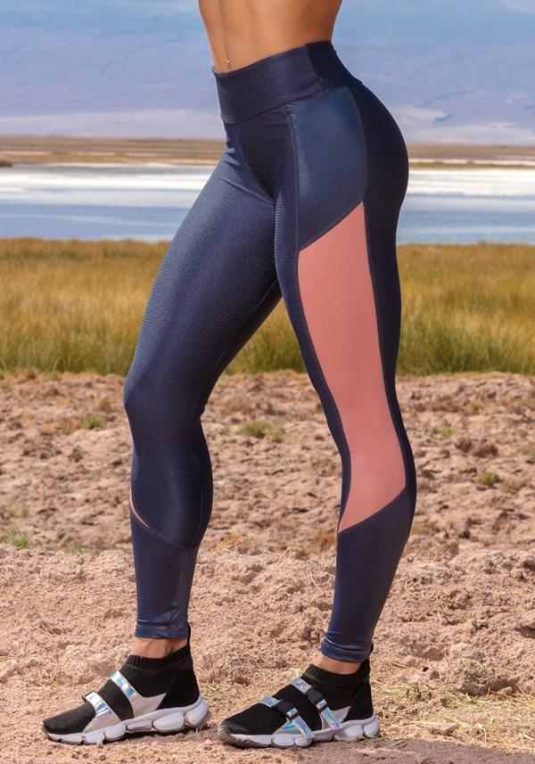 Calça legging shine texturizada grafite com tule