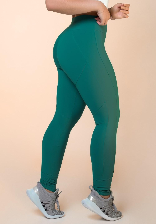 Calça legging verde com recortes levanta bumbum básica