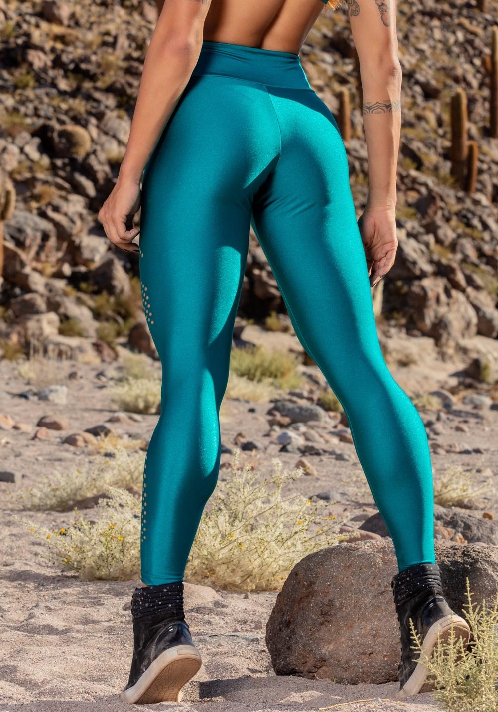 Calça legging verde detalhe à laser