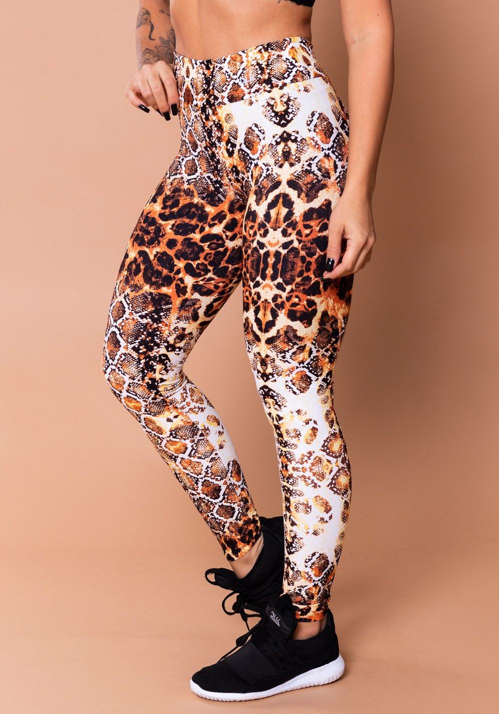 Calça legging wild estampada cobra