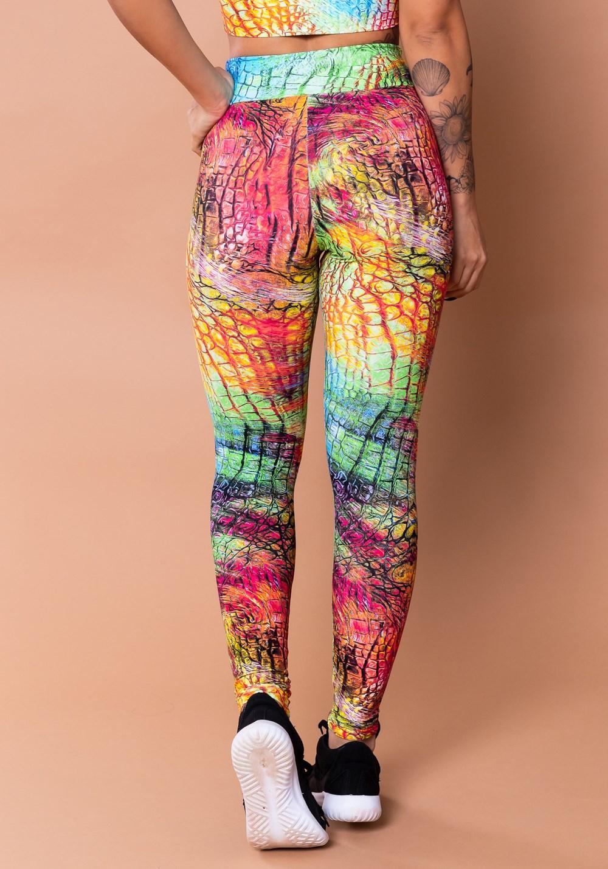 Calça legging wild estampada croco colorido