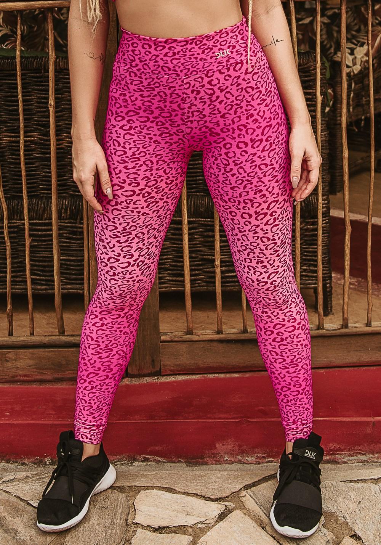 Calça legging wild estampada onça rosa