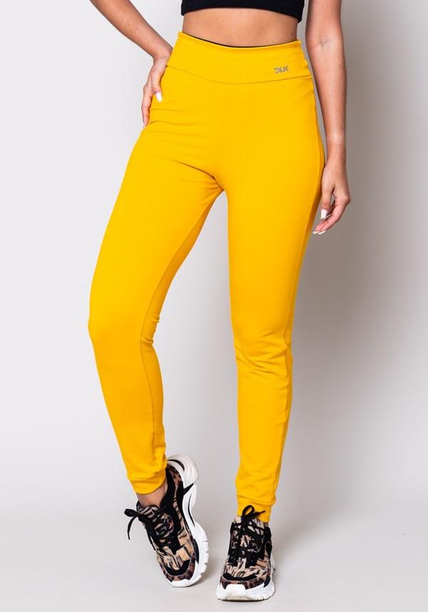 Produto Calça moletom amarela básica
