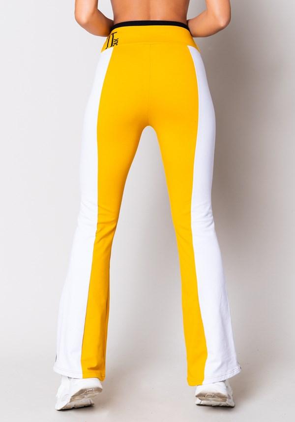 Calça moletom flare amarela com recortes