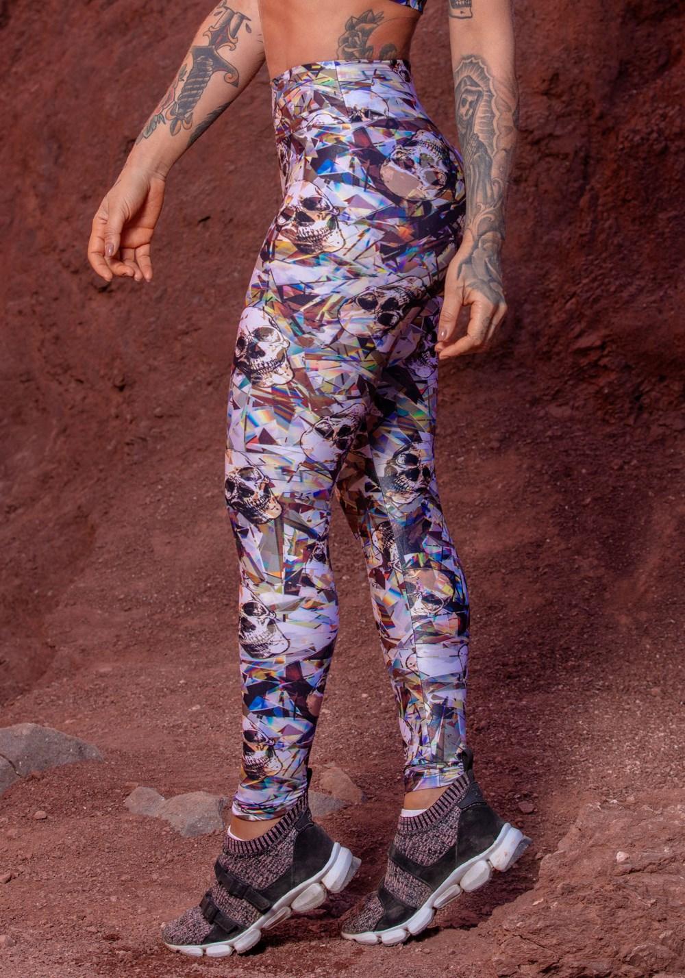 Calça poliamida glow caveira estilizada
