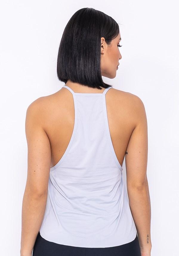 Camiseta modelo cavado technology cinza claro