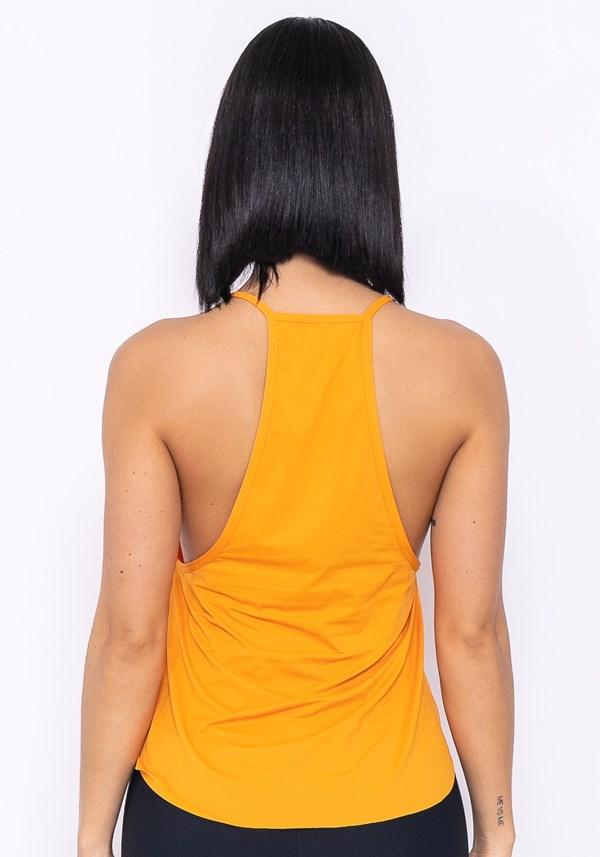 Camiseta modelo cavado technology laranja