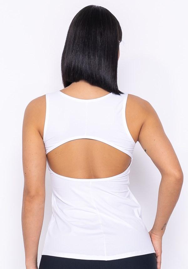 Camiseta technology recorte nas costas branca