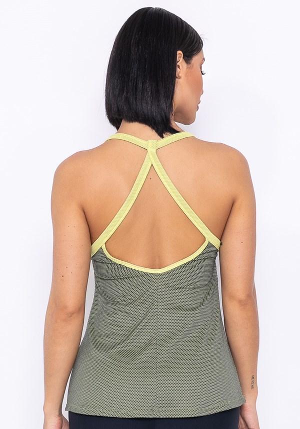 Camiseta technology tira dupla nas costas amarelo