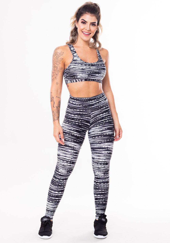 Conjunto fitness match poliamida estampado riscos pretos (top+calça)