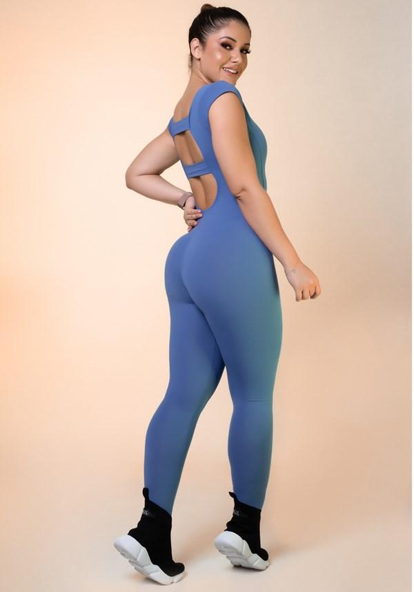 Macacão comprido azul com manga curta básico