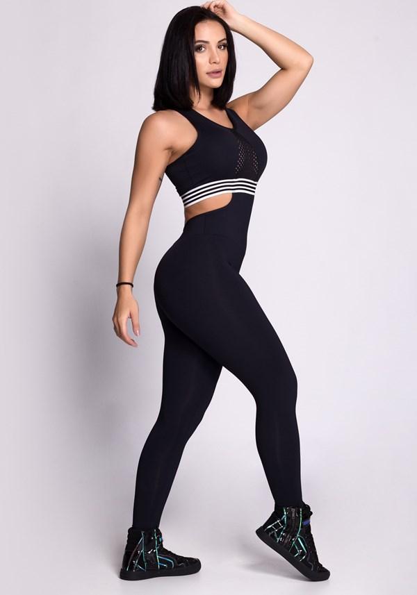 Macacão preto comprido com tela e elastico