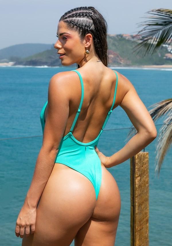 Maiô sem bojo lateral cavada beach com decote redondo verde