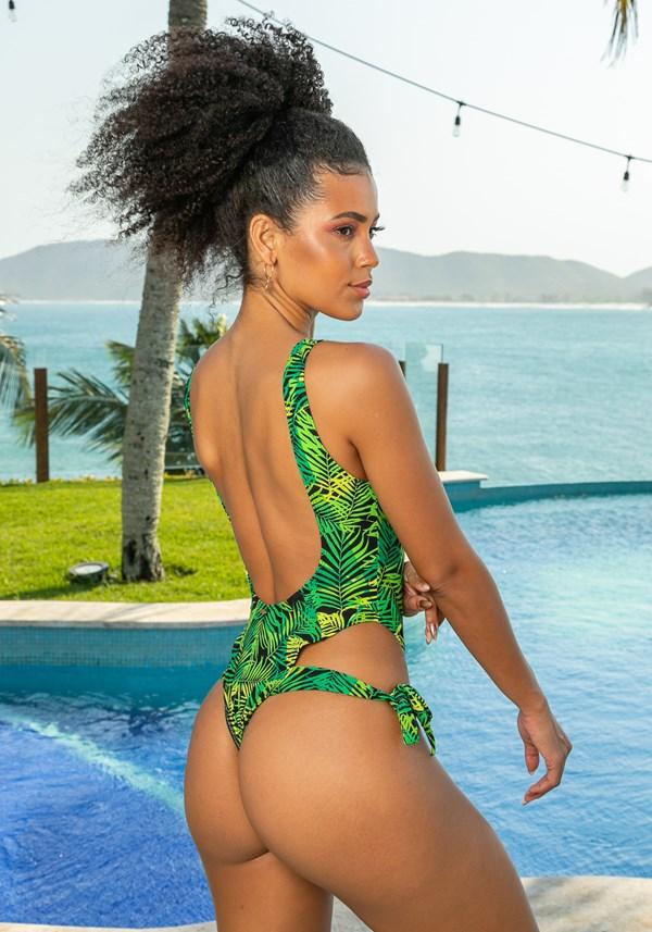 Maiô sem bojo modelo cavado beach amarração lateral folhagem verde