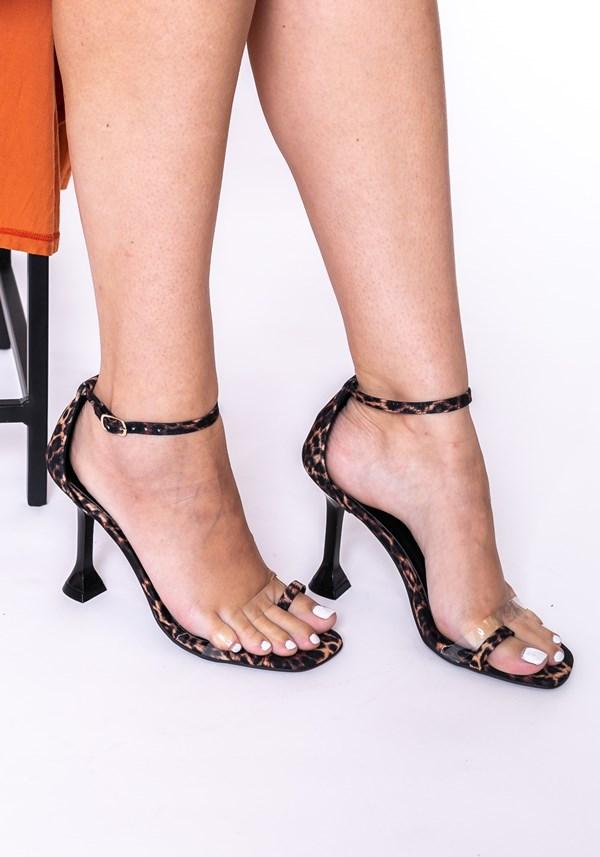 Sandália salto taça shoes animal print